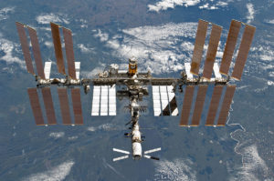 ISS, By NASA [Public domain], via Wikimedia Commons