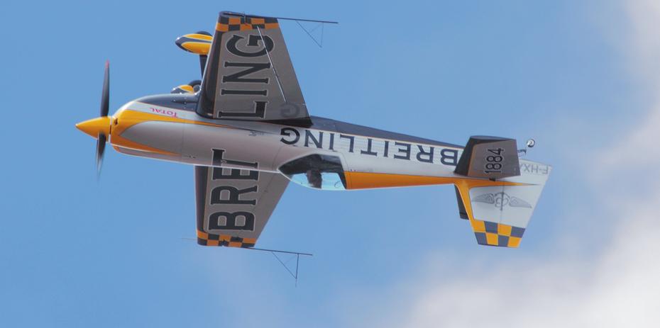 AUDE LEMORDANT Breitling Extra 330SC