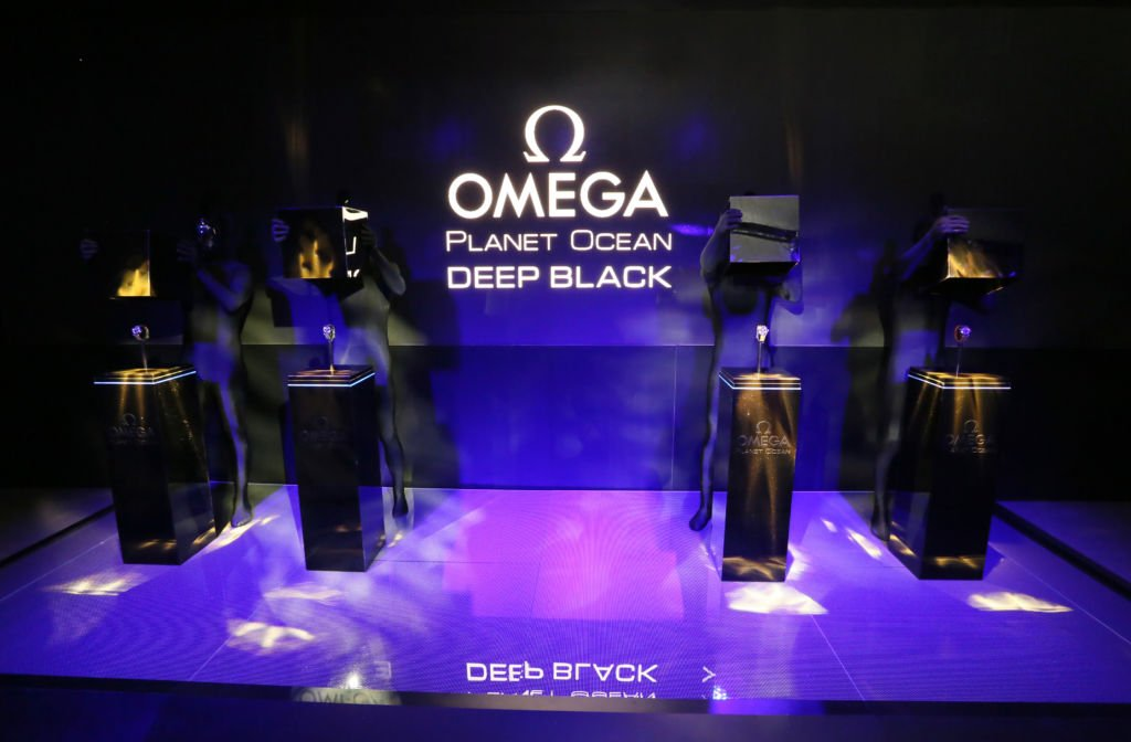 Read more about the article Omega Planet Ocean Deep Black in New York vorgestellt [inkl. Alternativen]
