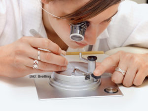 Read more about the article Uhrenmanufakturen in Glashütte, Deutschland, und der Schweiz – Definition, Vorteile, Nachteile