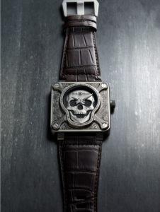 Totenkopf-Uhren und -Armbänder: Das schaurig schöne Halloween-Special