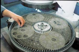 Breitling Fertigung Uhrgläser