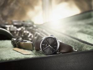"""Read more about the article Oris Dexter Gordon Limited Edition: Schlichte Uhr zu Ehren von Saxophonist """"Long Tall Dex"""""""