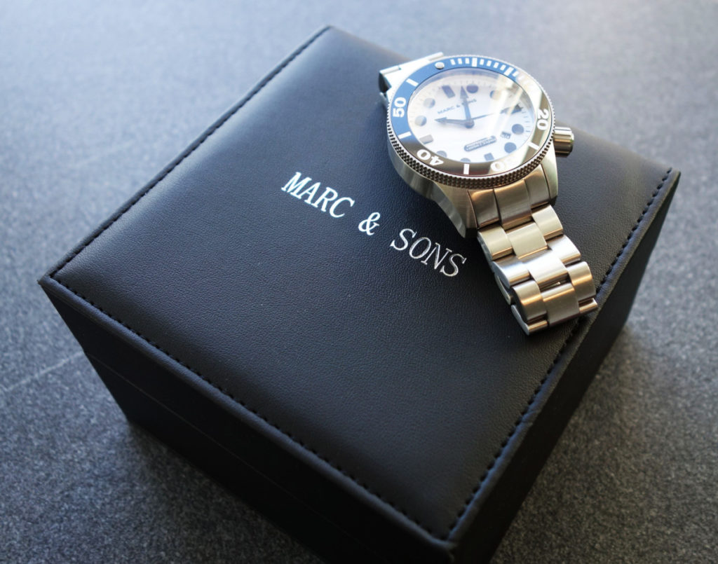 Box der Marc & Sons MSD-027 Leuchtkeks Taucheruhr