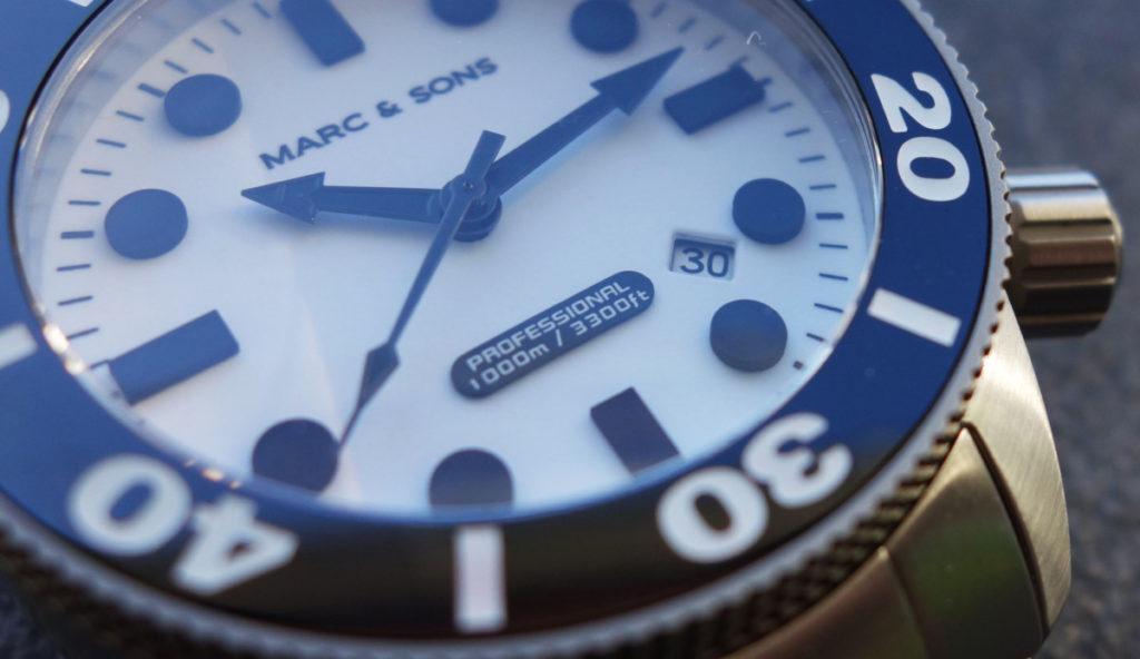 Datum der Marc & Sons MSD-027 Leuchtkeks Taucheruhr