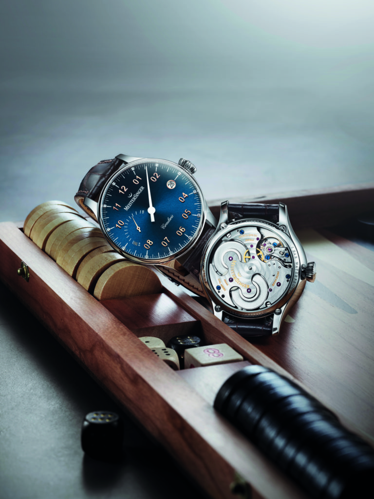 Meistersinger Circularis Power Reserve and back_Landscape