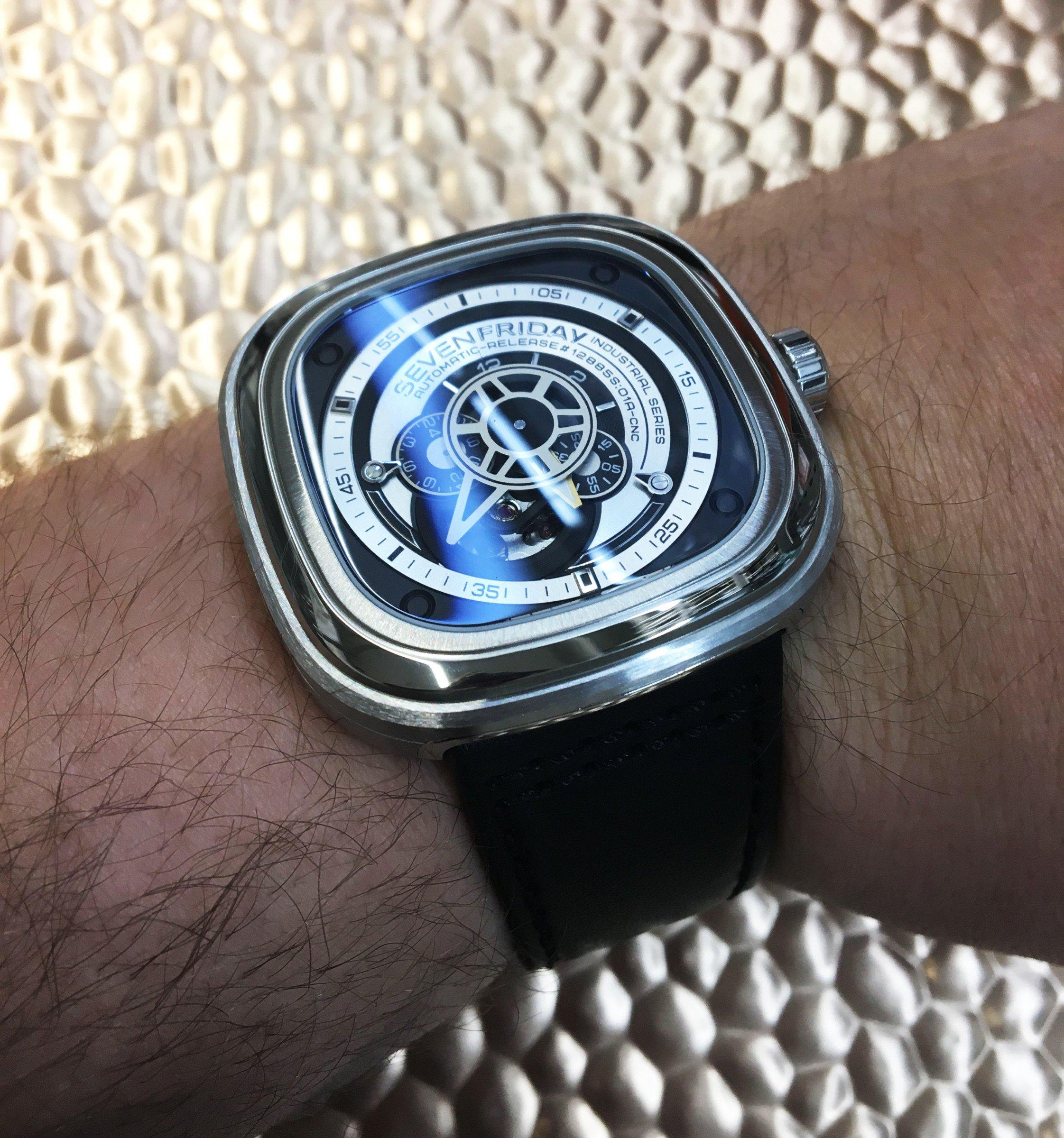 Sevenfriday P-Series Wristshot Entspiegelt blauer Schimmer