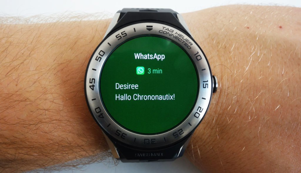 TAG Heuer Connected Modular 45 WhatsApp