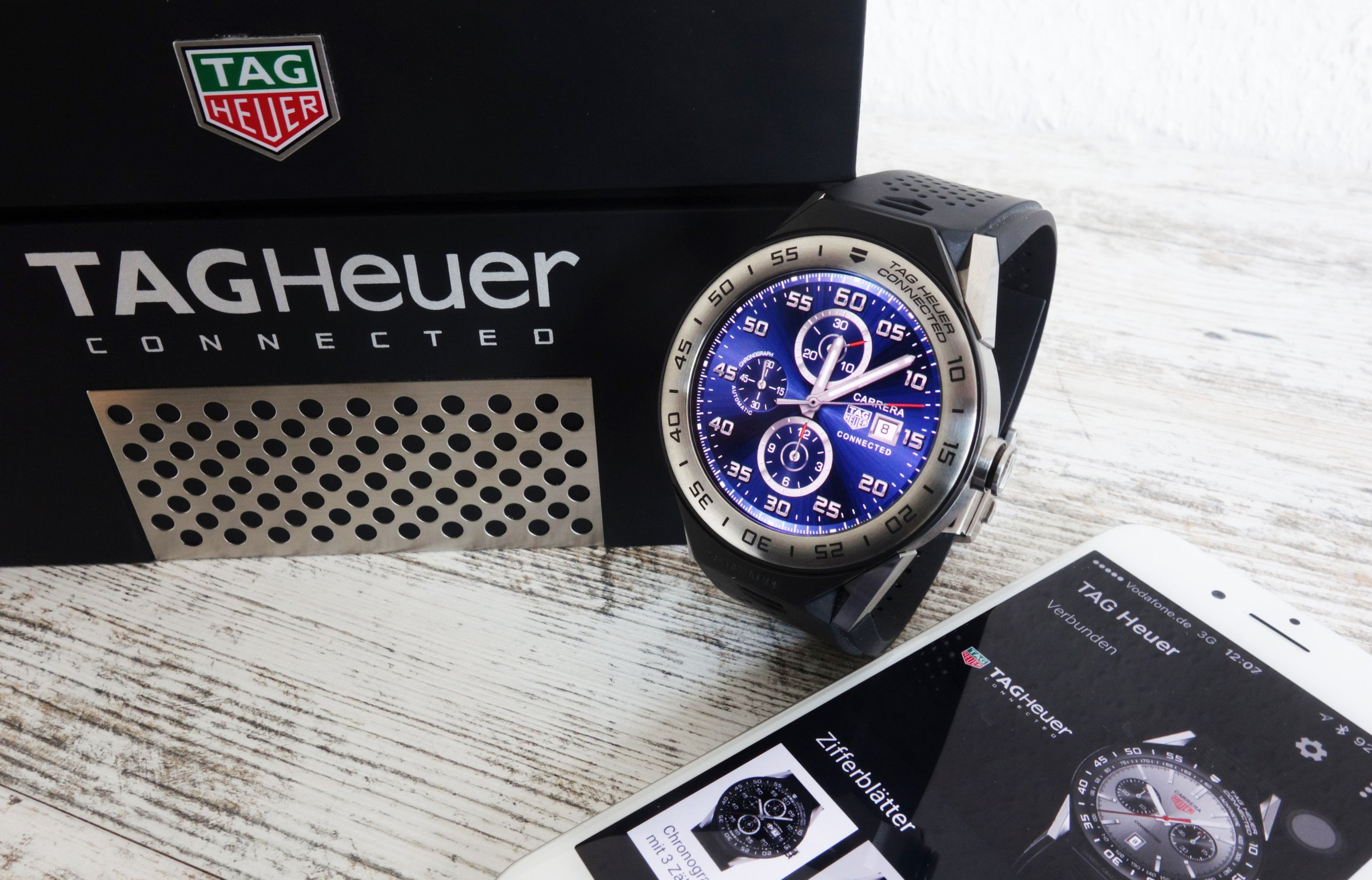 tag heuer connected modular 45 luxus smartwatch trifft iphone chrononautix. Black Bedroom Furniture Sets. Home Design Ideas