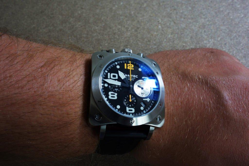 LÜM-TEC Bullhead A21 Mecaquartz Wristshot