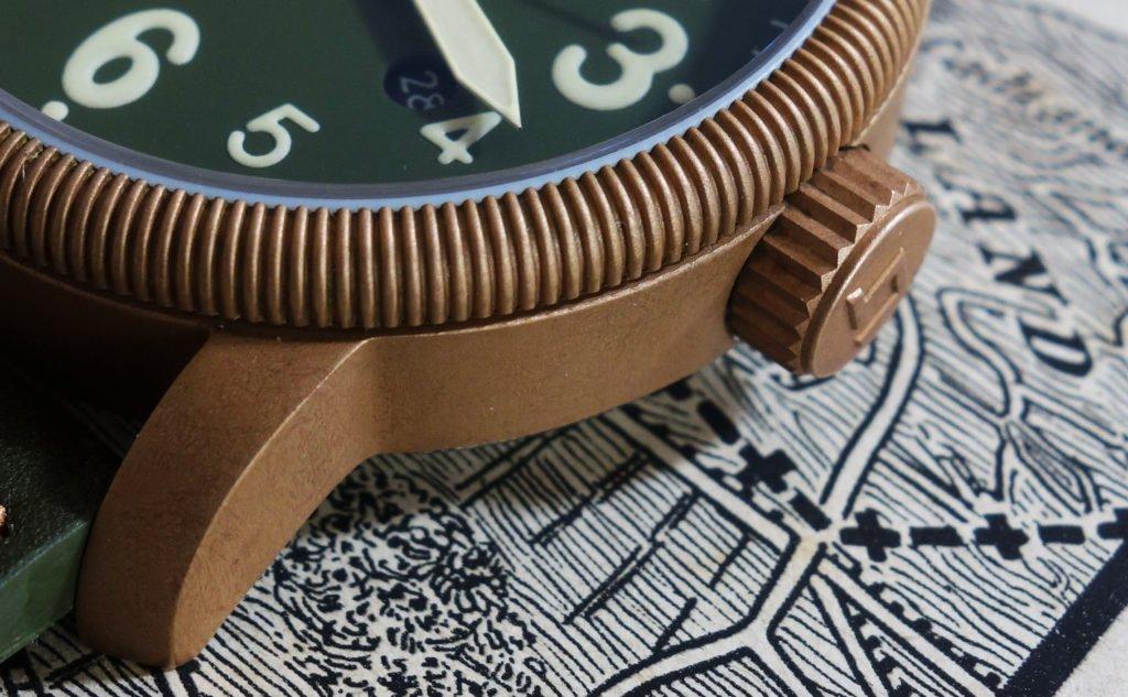 kannelierte Lünette Bronze Uhr LUM-TEC