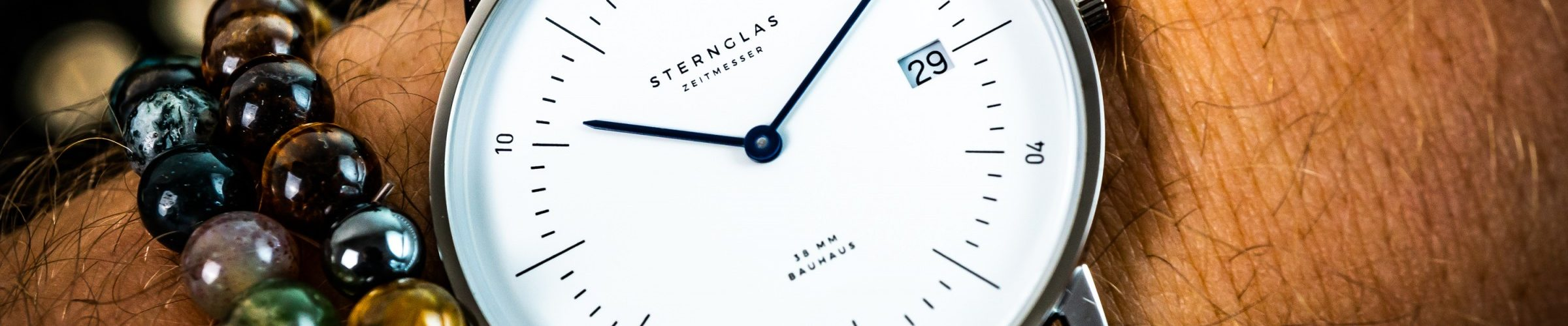 STERNGLAS NAOS Bauhaus Uhr Test