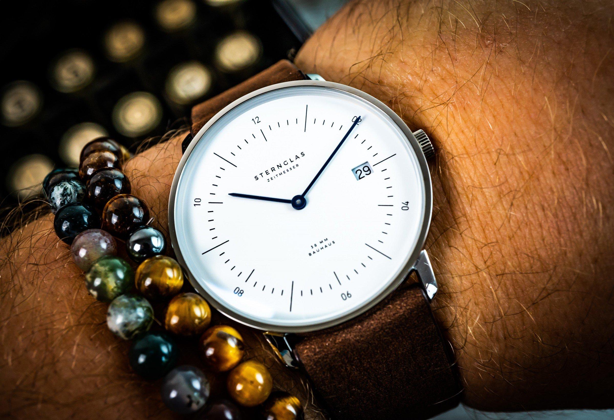 Test: STERNGLAS NAOS – Zeitmesser im neuen Bauhaus-Design