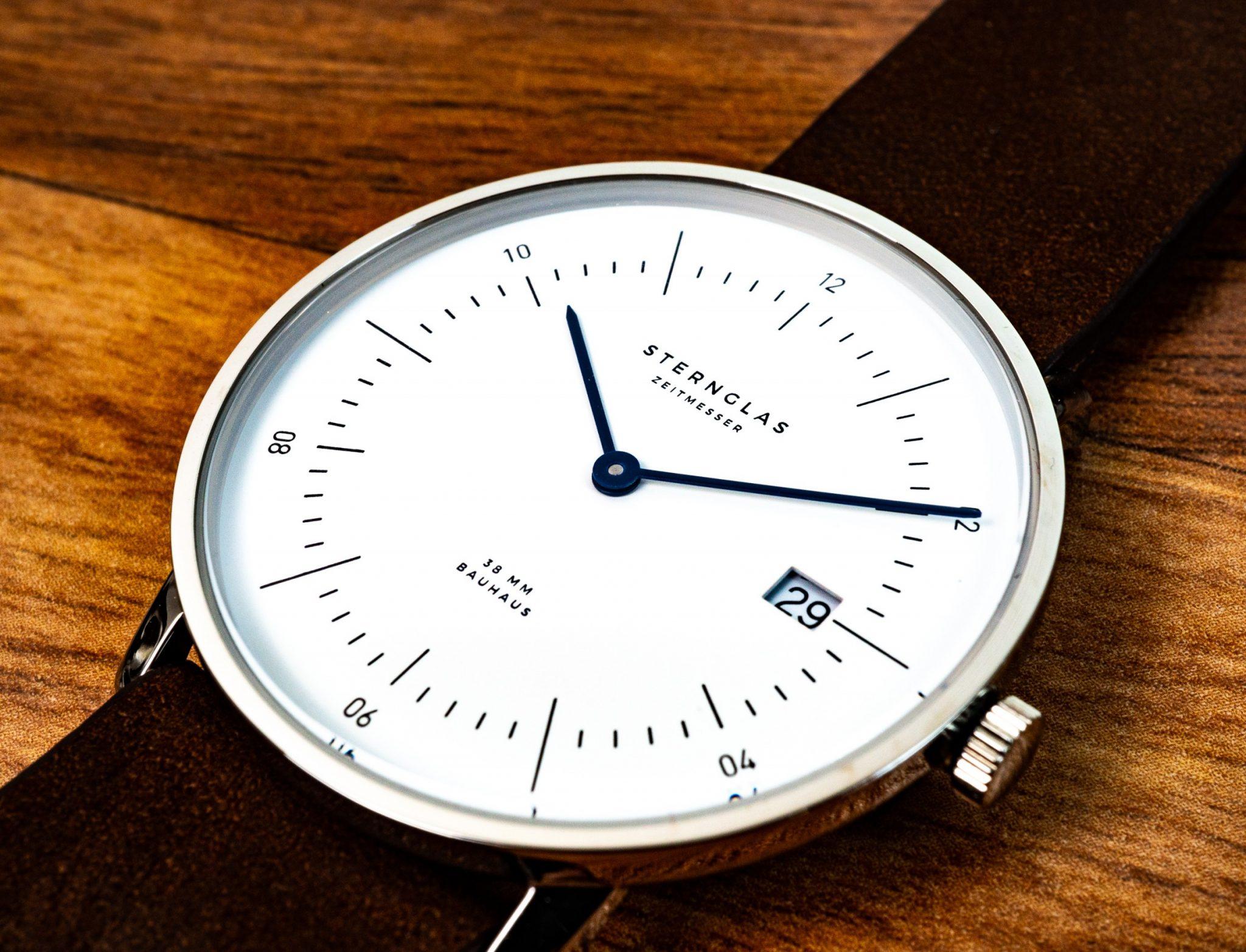 STERNGLAS Uhr Bauhaus Design 2018