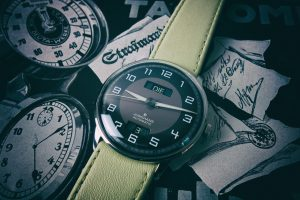 Read more about the article Junghans Meister Driver Day Date im Test: Vintage-Charme trifft Oldtimer-Design