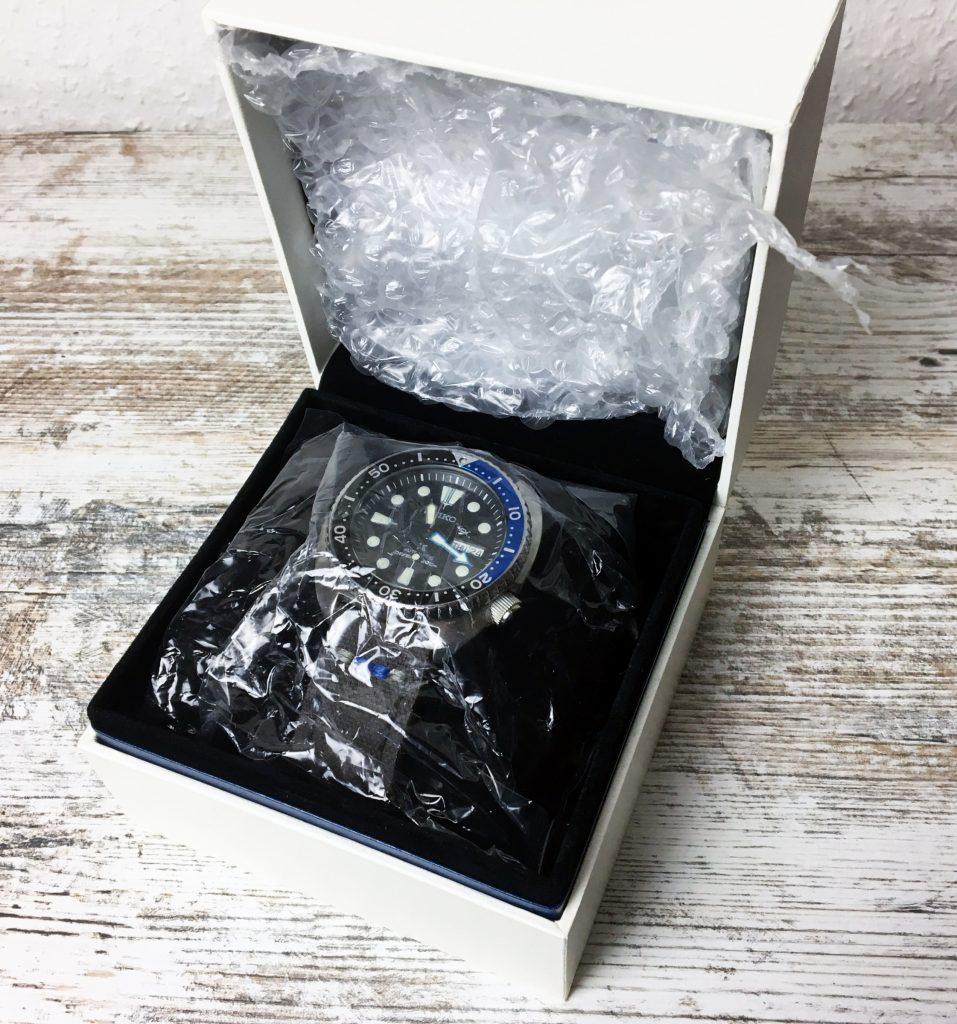 Uhr Verpacken Luftpolsterfolie