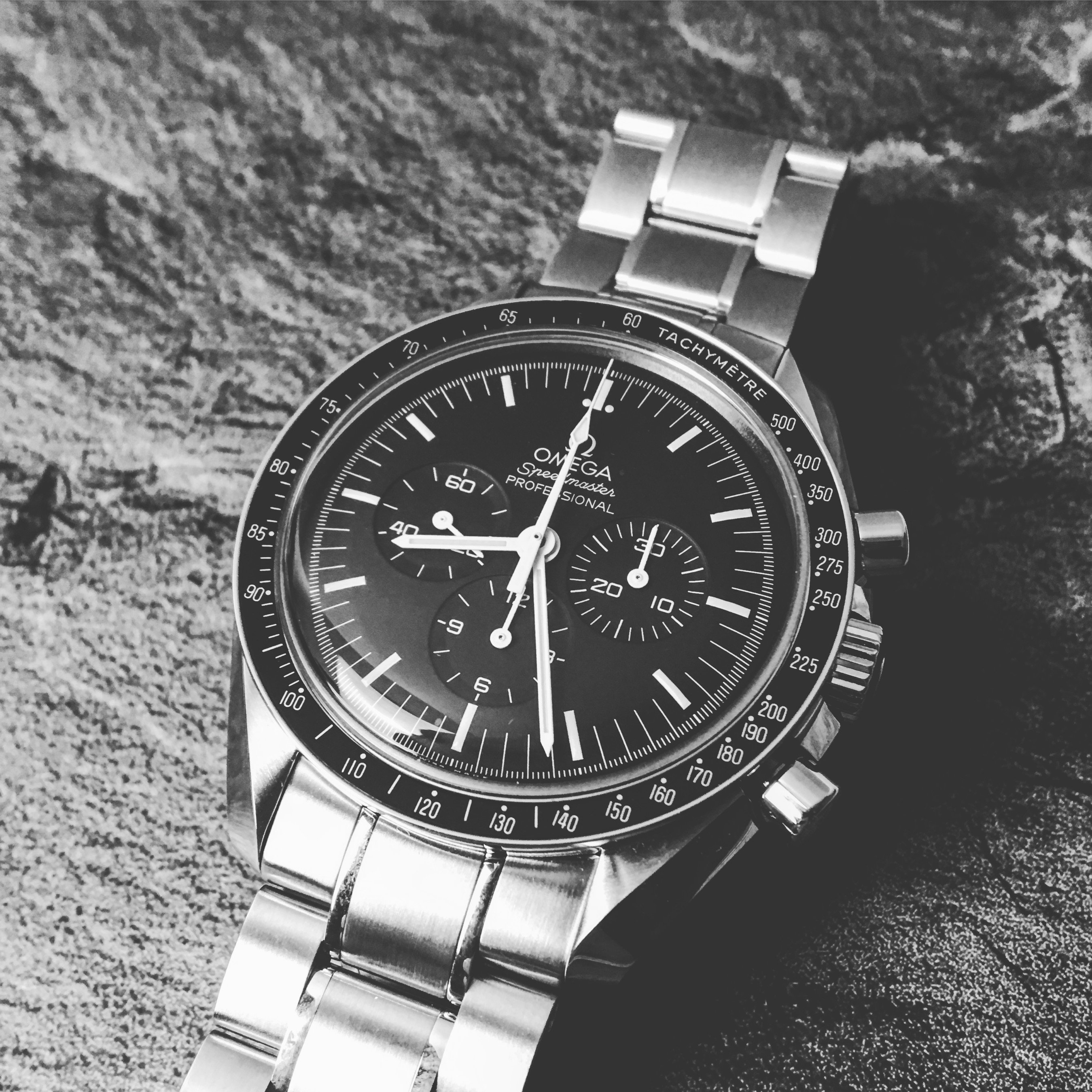 Omega Speedmaster Moonwatch Silver Snoopy Award