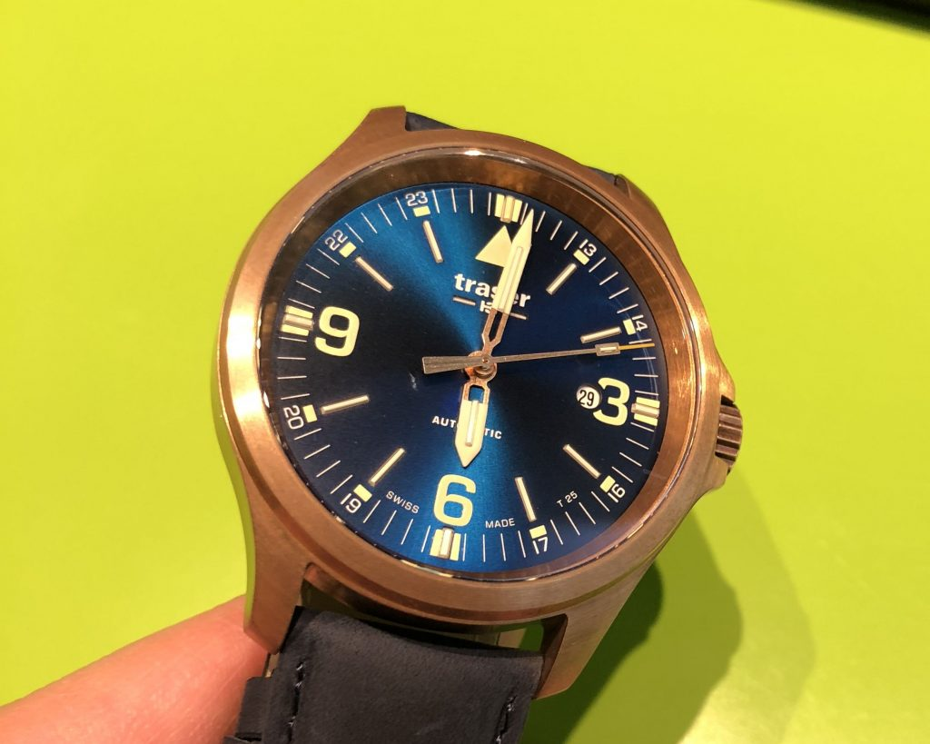 Traser blaue P67 Officer Pro Automatic Bronze