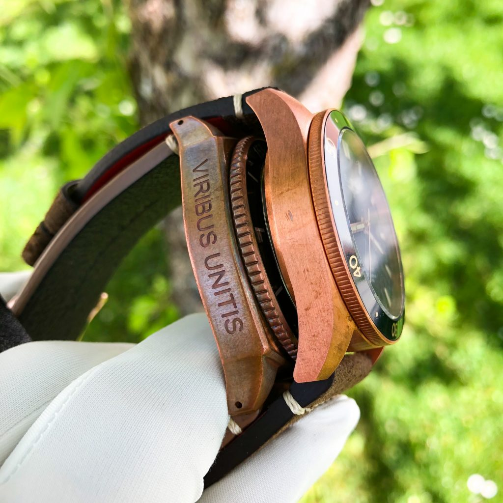 Bronze Uhr Patina vs. keine Patina