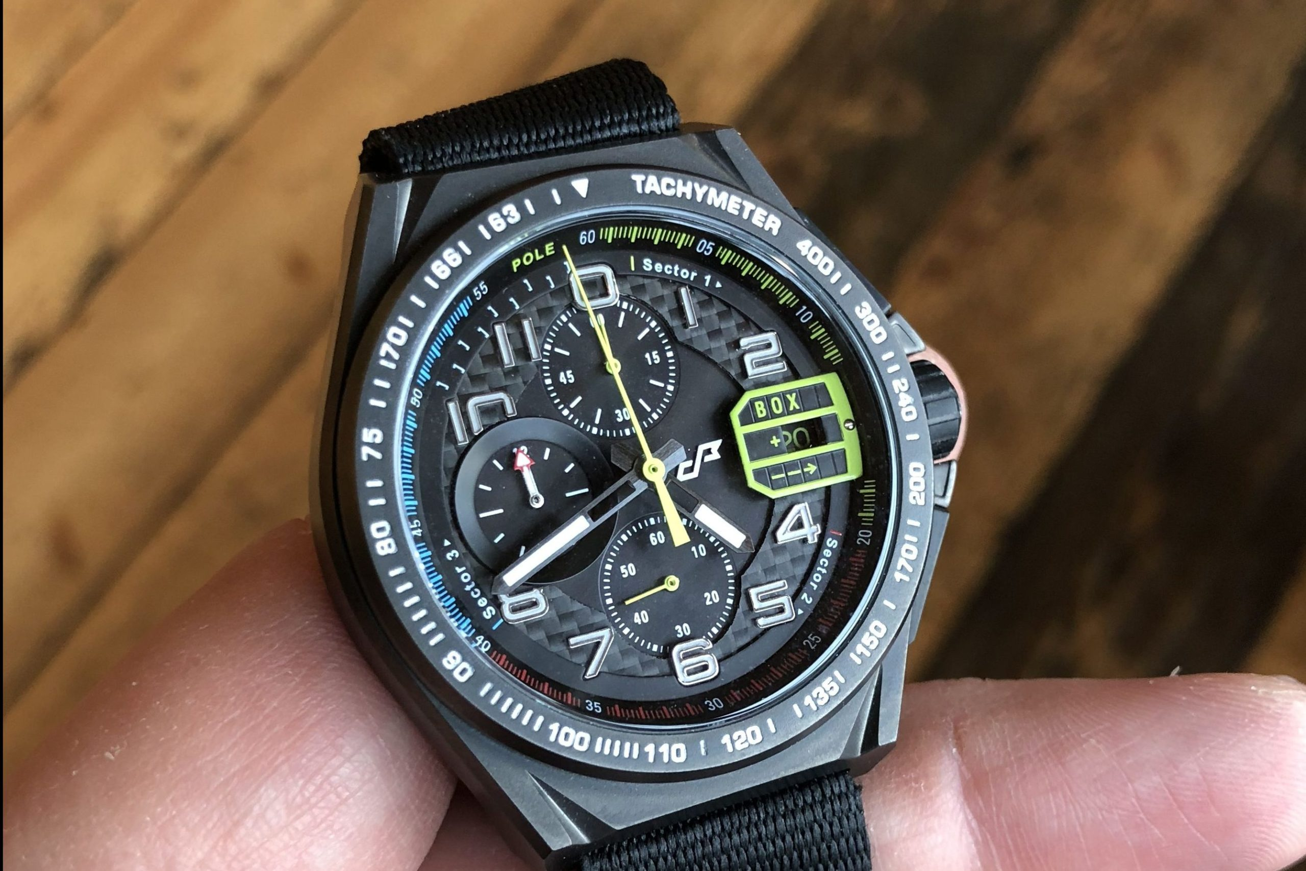 Read more about the article Pacemasters Paddock: Formel 1-Chronograph auf Kickstarter / Prototyp im Test