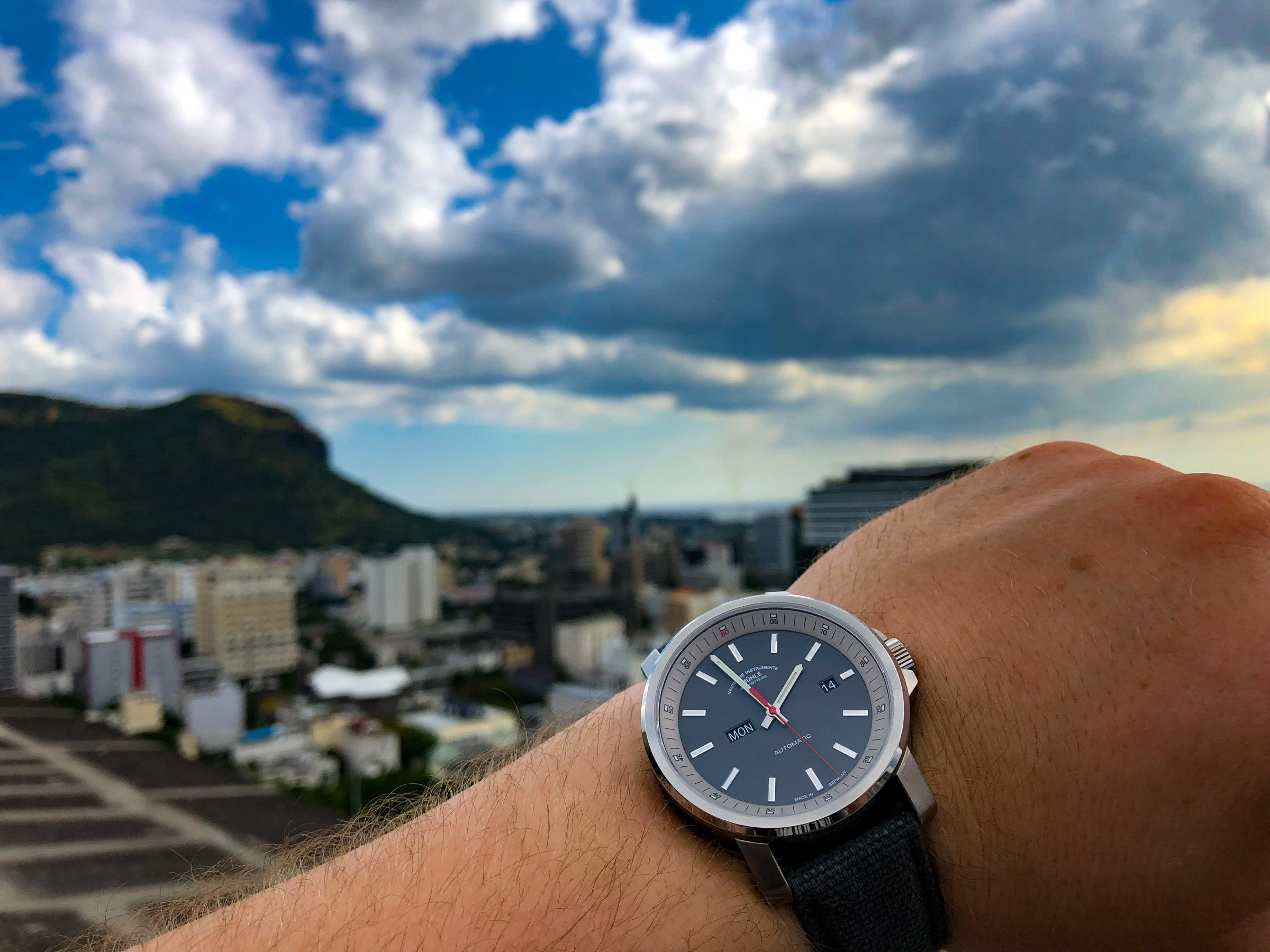 Mühle-Glashütte 29er Tag-Datum 2018 Port Louis