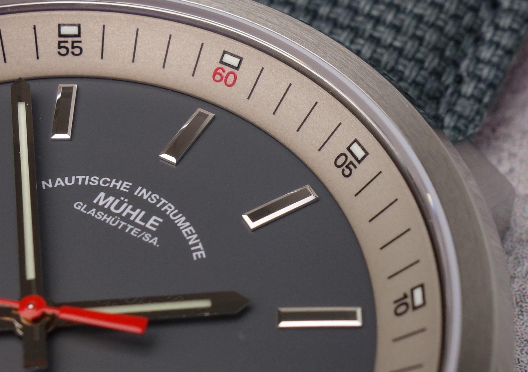 Mühle Glashütte 29er Tag-Datum Rehaut Sand-Metallic