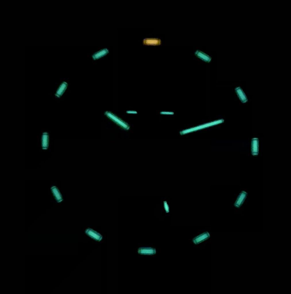 trigalight Tritium Röhrchen im Dunkeln bei Nacht
