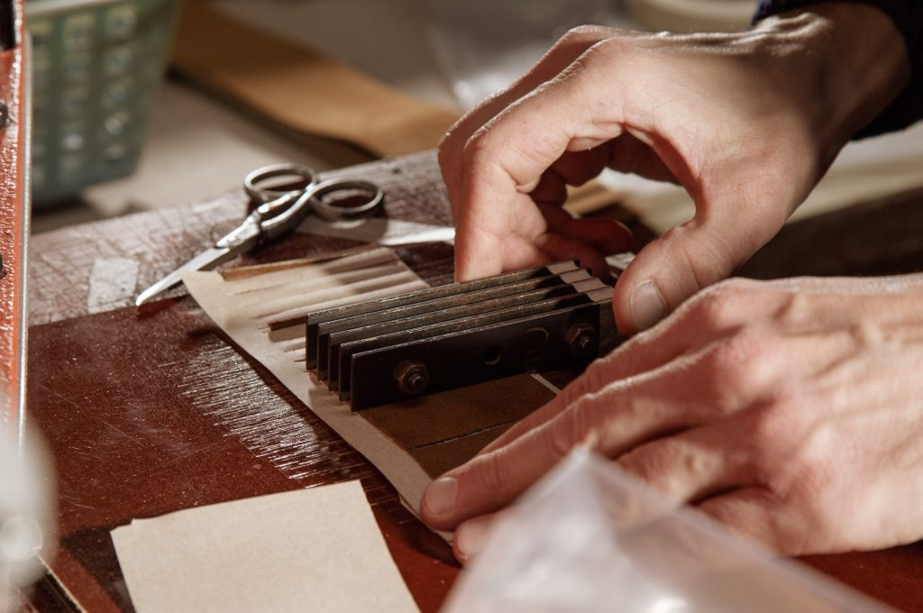 Produktion Lederband Meccaniche Veneziane Toskana