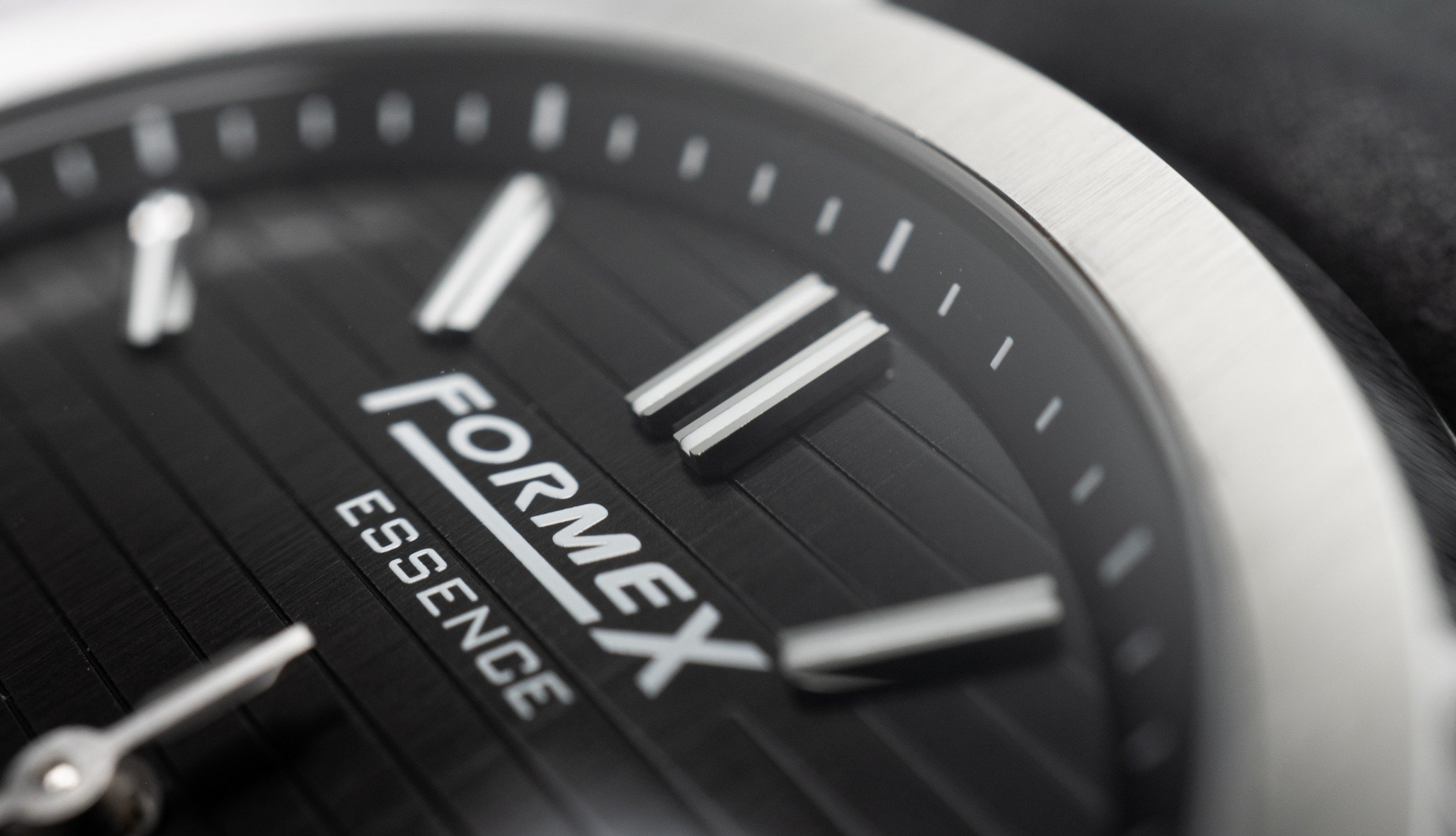 FORMEX Essence Automatic Chronometre Kickstarter