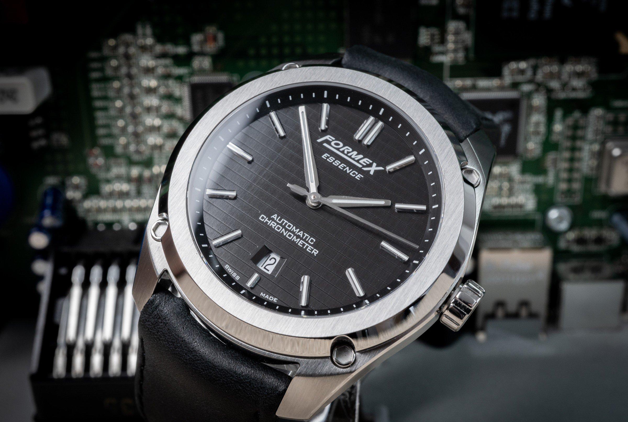 FORMEX Essence Chronometer Automatikuhr Sellita Test