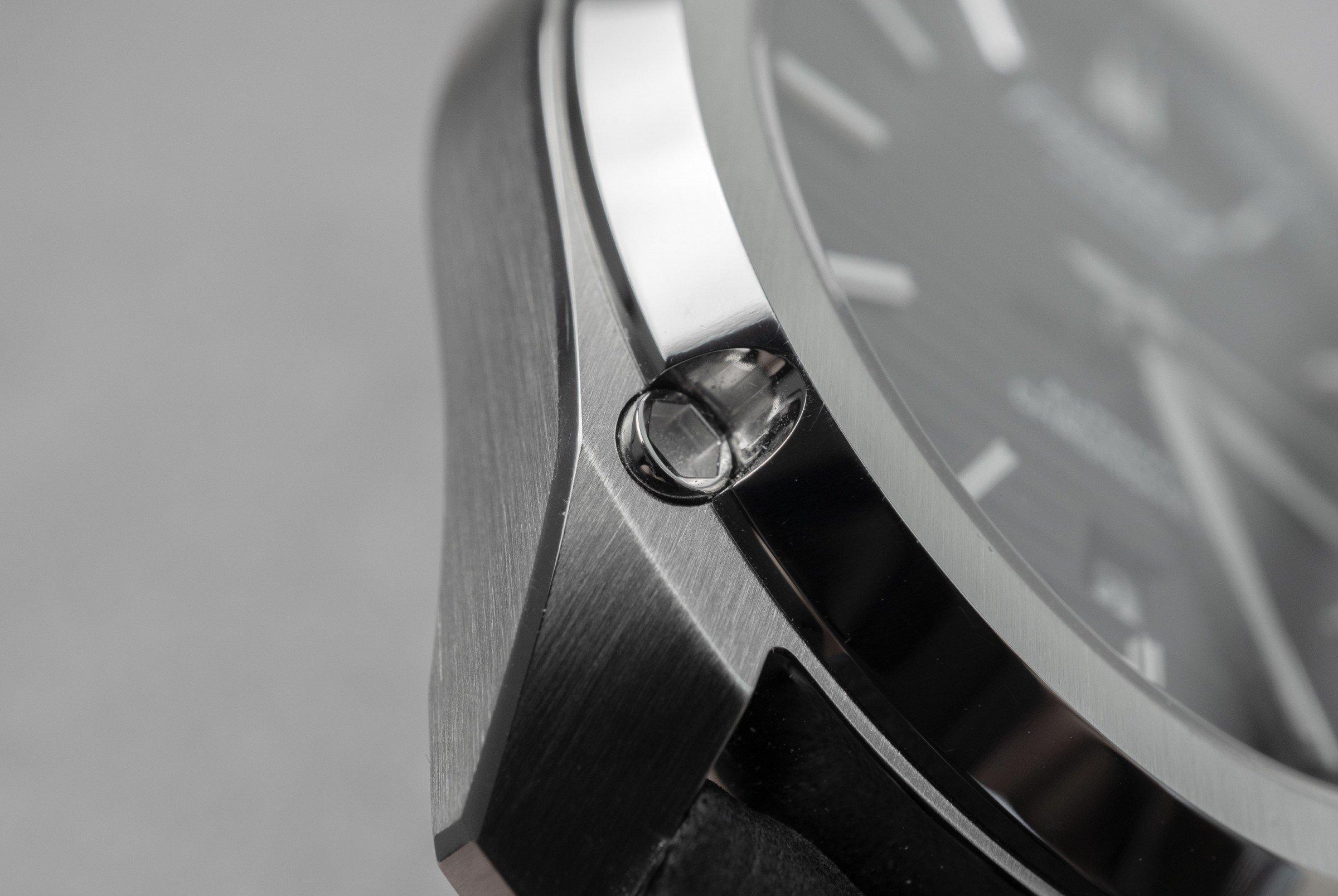 Gehäusefederung FORMEX Essence Kickstarter