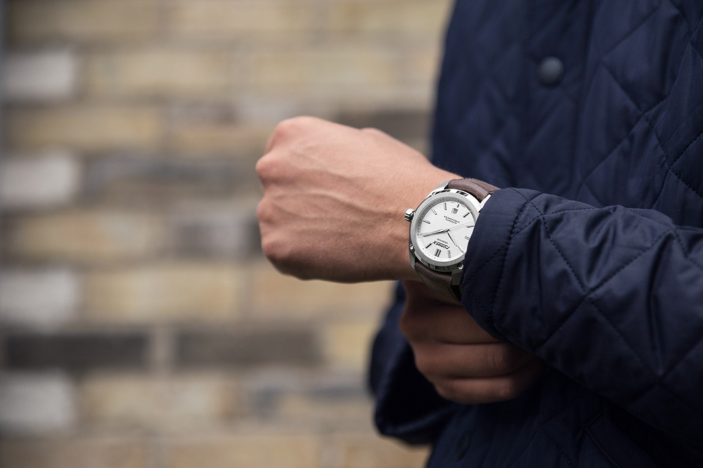 Review Formex Essence Automatic Chronometer Silver 1