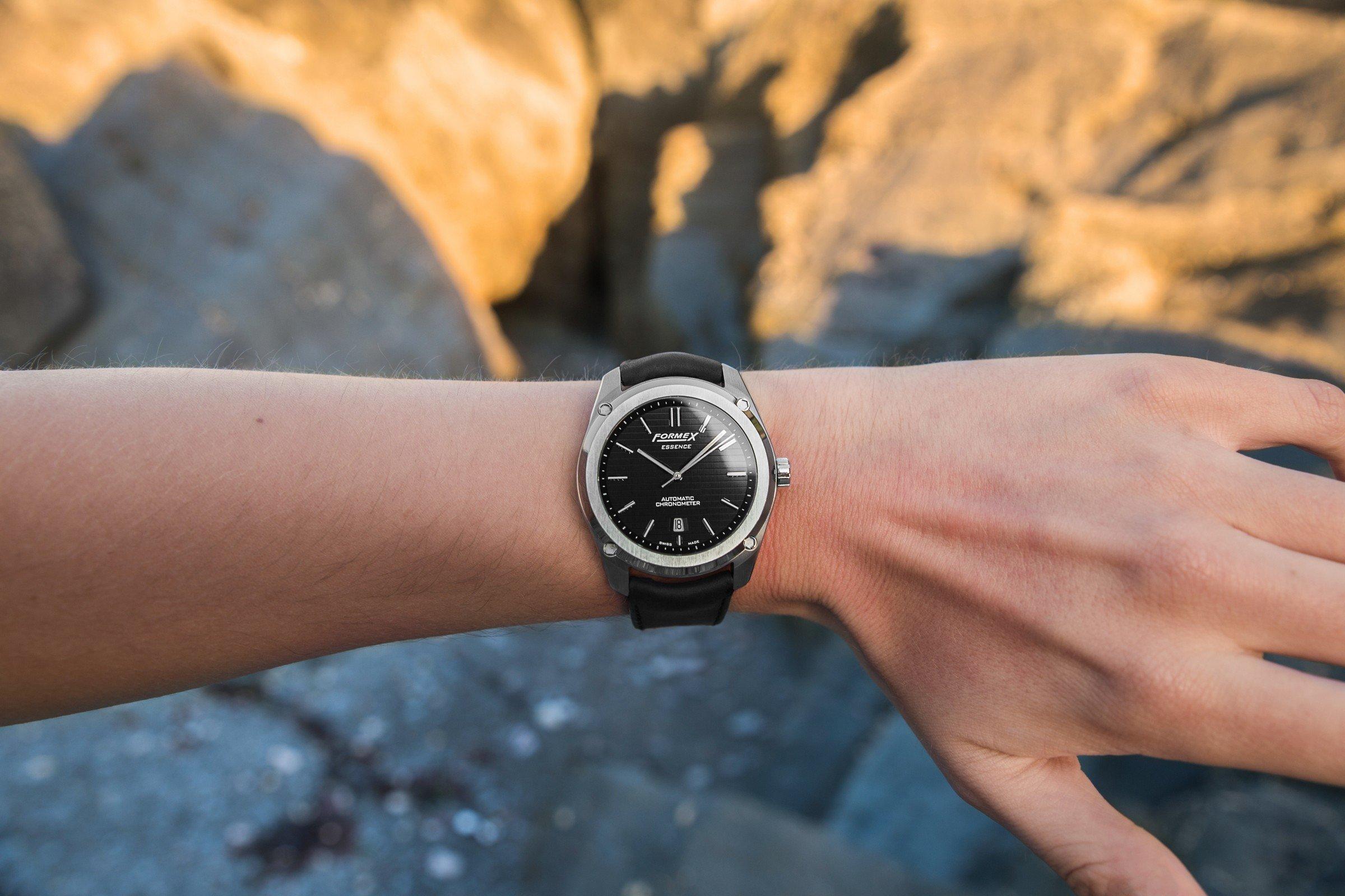 Test Formex Essence Automatic Chronometer Black 2