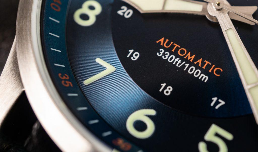 Zifferblatt Aquatico blau Flieger Uhr Test
