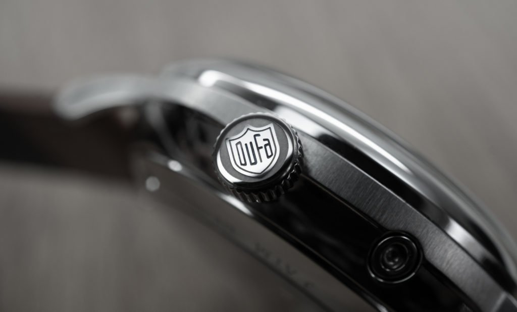 Dufa Krone Bauhaus Uhr Aalto Gangreserve