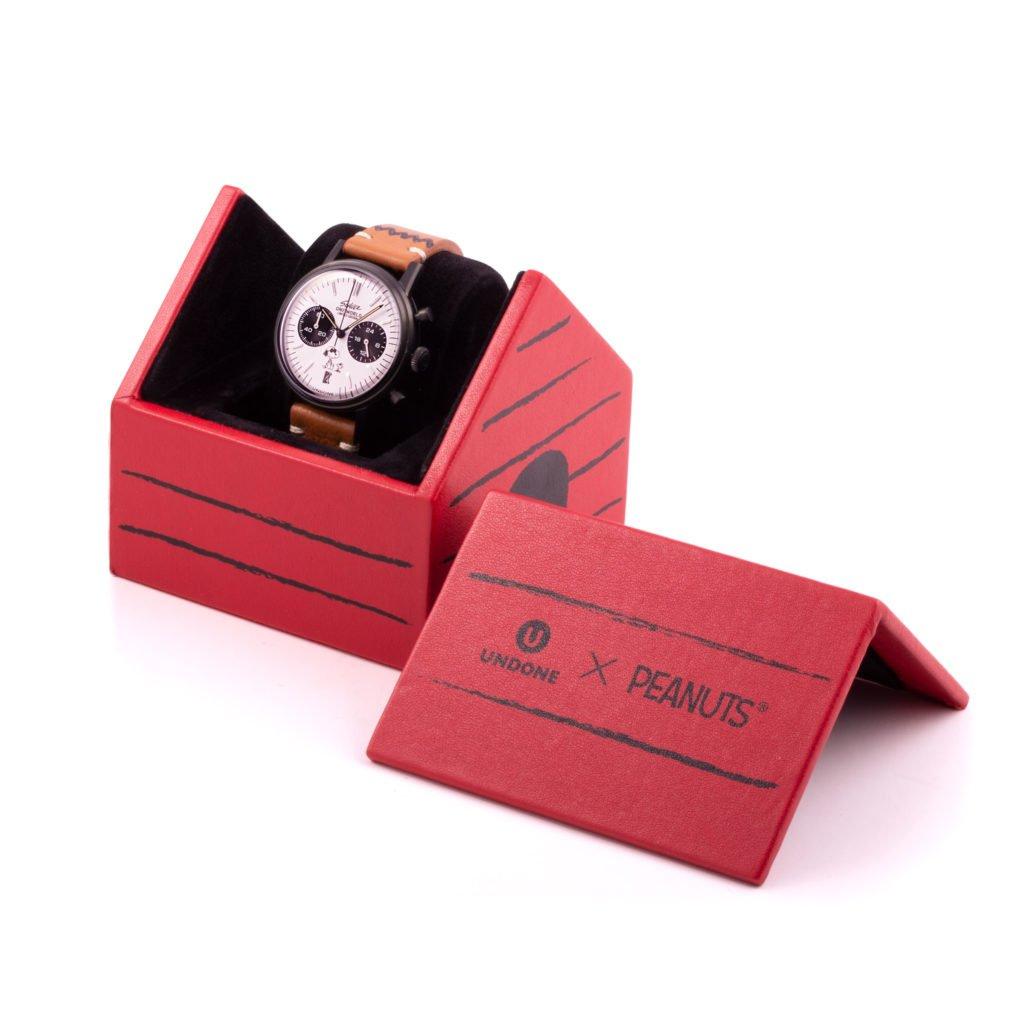 Hundehaus Snoopy Verpackung Uhr Peanuts