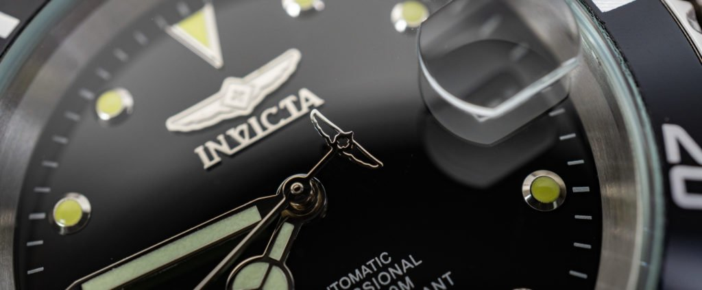 Invicta 8926OB Automatic Taucheruhr Rolex Submariner Alternative Vergleich Test Logo
