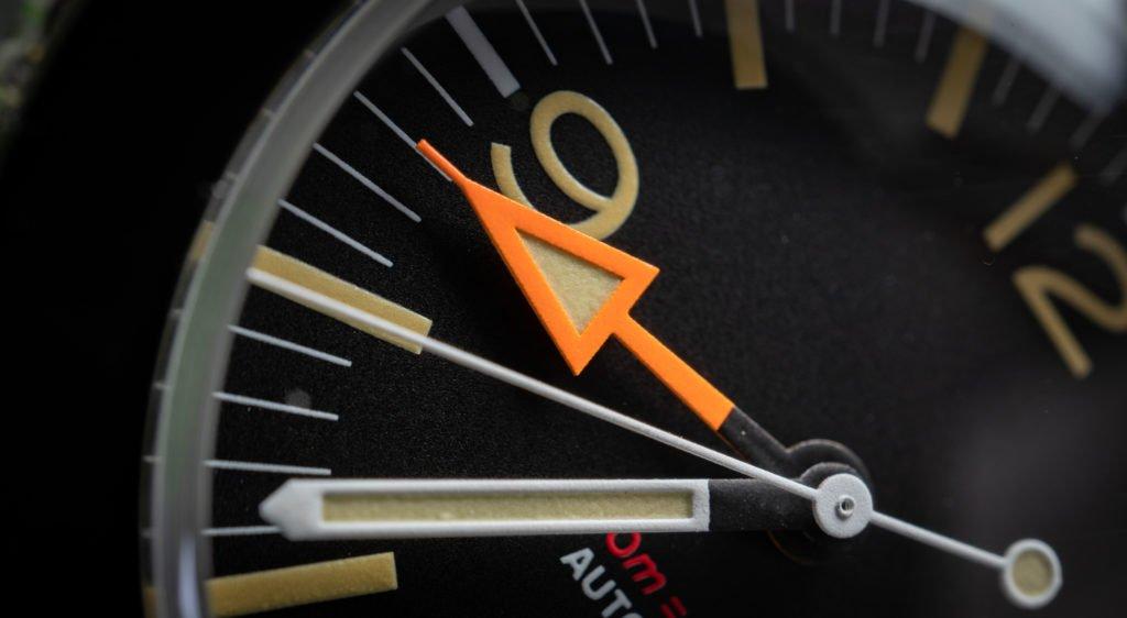 Tool Watch oranger großer Zeiger PFeil