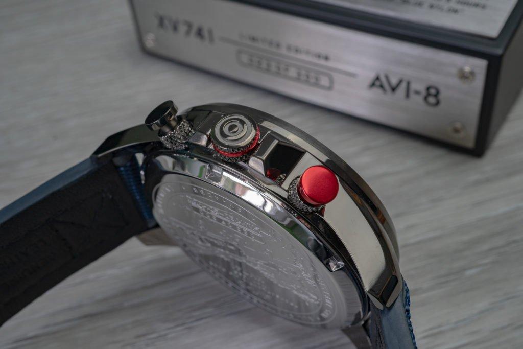 Chronograph Roter Drücker Knopf AVI-8