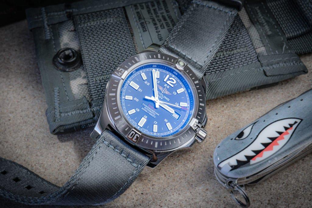 Breitling-Colt-zweiteiliges-Nato-grau-Watchbandit-Uhr
