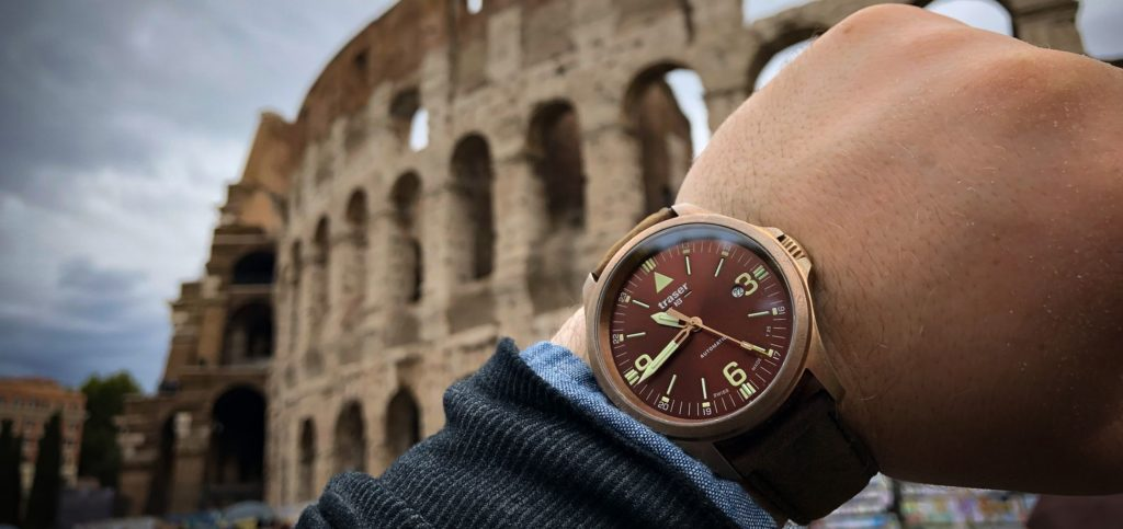 traser P67 Officer Pro Automatic Bronze Colosseo Außen_cut