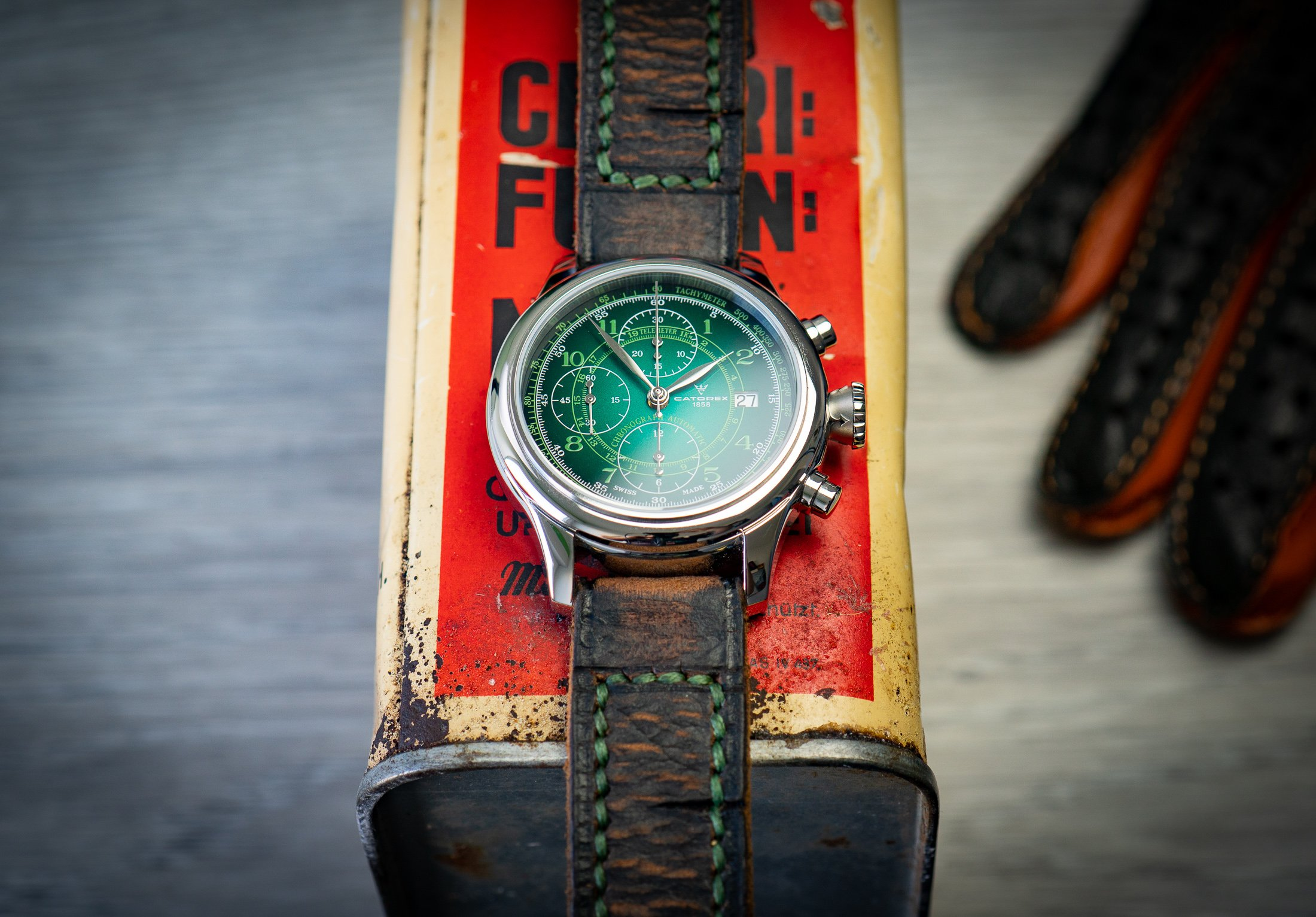 Vintage-Destroyed-Lederband-Uhr-Chrono-CATOREX-Smoked
