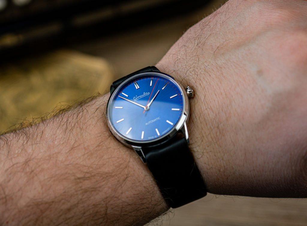 Circula-Klassik-Automatik-blau-Test-Uhr-Handgelenk
