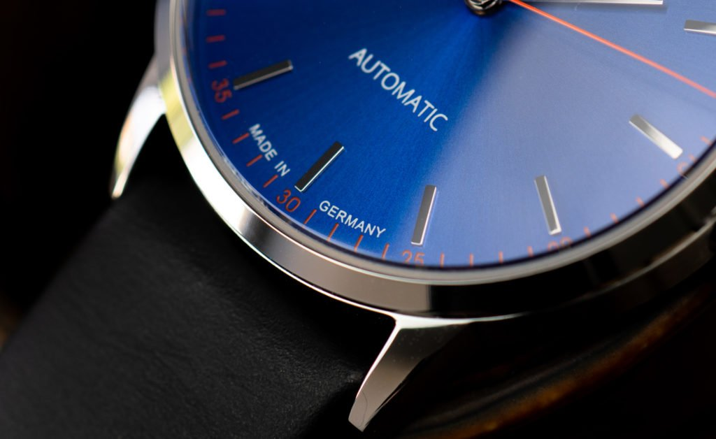 Circula-Klassik-Automatik-blau-Test-Uhr-Made-in-Germany-Pforzheim