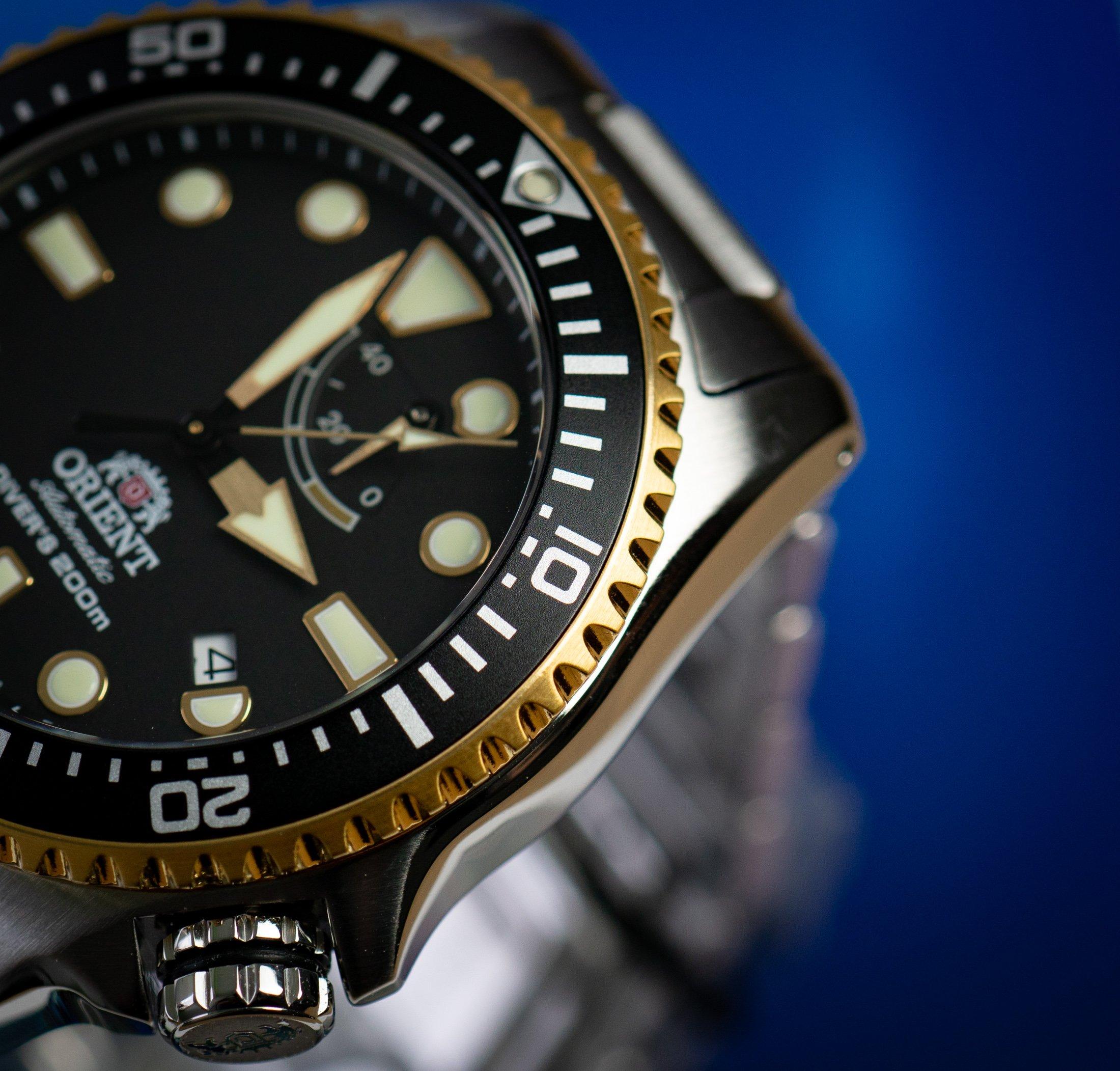 Orient-Uhr-Test-Erfahrungen-Lünette-schwarz-gold