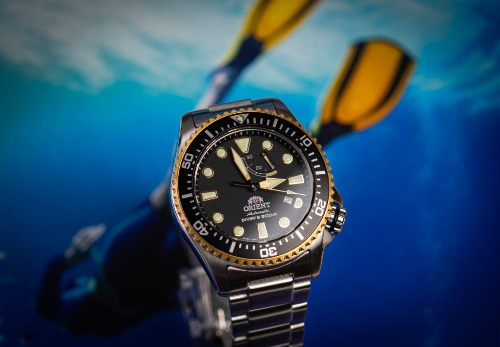 Orient-Uhr-Triton-Gold-Schwarz