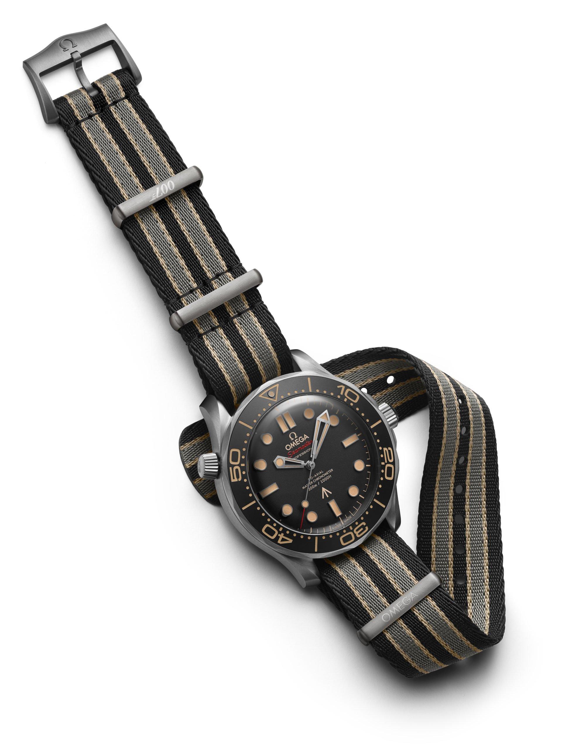 James-Bond-Uhr-007-Keine-Zeit-zu-Sterben-Film-Omega-Seamaster-Nato-Strap-Textil