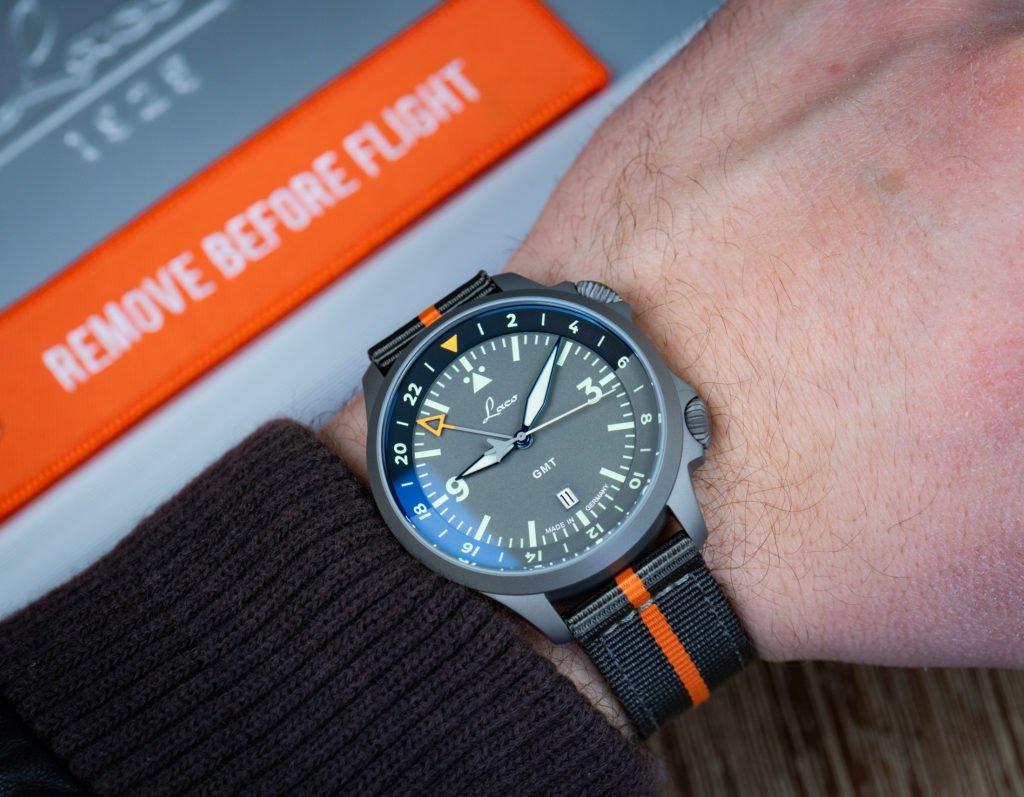 Laco-Frankfurt-GMT-Band-orange-Handgelenk