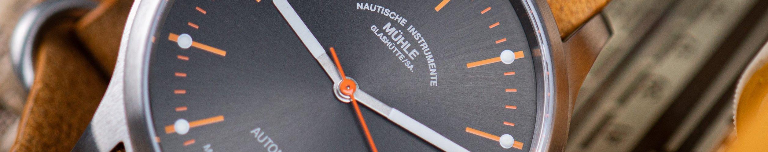 Mühle-Glashütte Panova Grau Test Preis Head