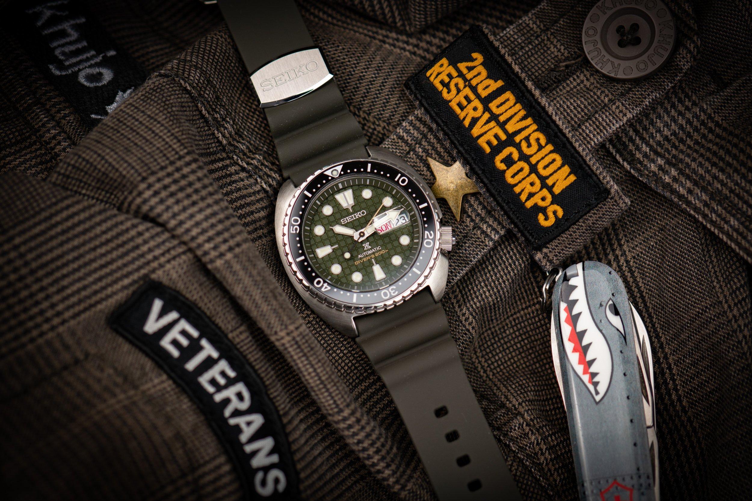 Seiko-Prospex-Diver-200m-King-Turtle-2020-Militäruhr-oliv-grün-Waffelzifferblatt-Test